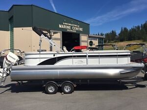 2017 Bennington 24SSRCXP Pontoon Boat