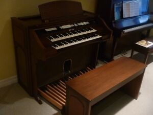 BALDWIN  ORGAN - Model 48C