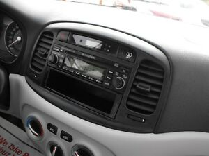 2007 ACCENT GL SEDAN  LOADED  5 SPEED  ONE OWNER-NO ACCIDENTS Windsor Region Ontario image 10