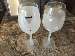 Bride and groom wine glasses for wedding