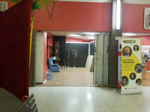 300 SQ FOOT MALL UNIT FOR RENT