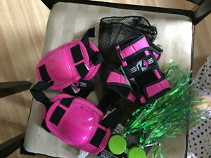 Streamers and elbow pad set