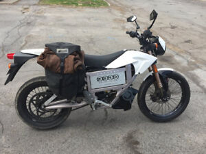 Zero Motorcycle XU 2011 - 100% Electric  - 5500 km - White