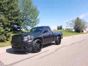 "2010 GMC Sierra 4x4 ""Blacked out"""