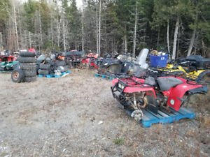 Atv/fourwheeler & dirt bike parts. Bikes listed in description