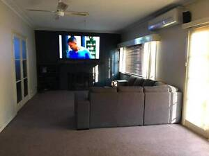 2x Large Queen Rooms for rent Golden Square Bendigo City Preview