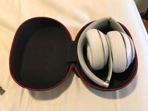 Beats Studio Wireless 2 Headphones - used, in VG condition