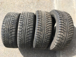 4 PNEUS D'HIVER / 4 WINTER TIRES 205/55/16 GISLAVED NORDFROST