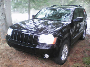 Jeep grand cherokee 4X4 Noir Turbo Diesel Mercedes 3.0L automati