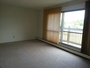 Only $750/month Spacious 1 Bedroom Apartment
