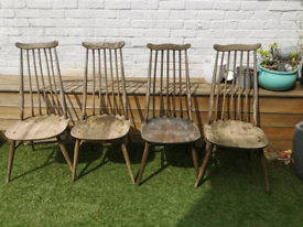 Set of four beautiful classic Ercol dinning chairs