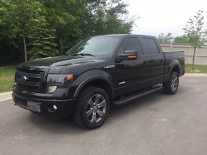 Ford F-150 SuperCrew, Fully Loaded, Low KMs, One Owner!