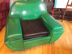 Retro sleeper couch and chair Belleville Belleville Area image 6