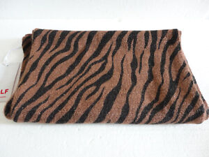 Women cable knit animal print infinity scarf Brand new with tag London Ontario image 3