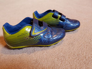 Rawling Soccer Cleats/Shoes, size 1