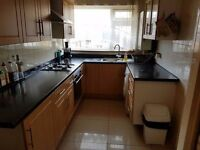 2 BED FLAT/ SOUTHGATE