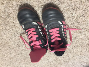 Size 5 athletic works cleats