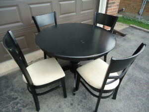 BLACK KITCHEN TABLE & 4 CHAIRS