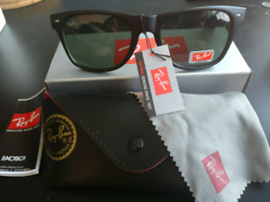 Ray-Ban Wayfarer, brand new with box