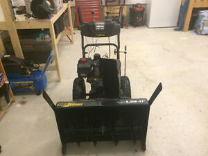 "YARDWORKS -  Snow Blower - 27"" cut, 8.5 hp. St. John's Newfoundland image 3"
