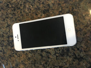 iPhone 5 32gb phone for sale locked to rogers