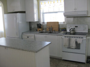 Gatineau Park Fully Furnished Whole House 6 Queen Beds $4k/month Gatineau Ottawa / Gatineau Area image 3
