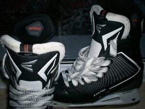 Patin NEUF / New Senior Easton Mako 7 grandeur / Size 8.5 EE