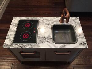 Play kitchen London Ontario image 1