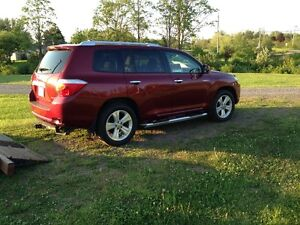 2010 Toyota Highlander limited SUV, Crossover  REDUCED