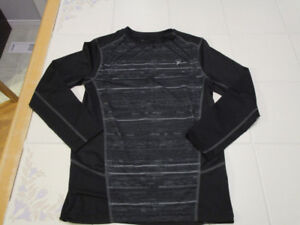 Boys Long sleeve activewear shirt from Old Navy in size 10/12