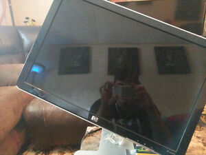 HP w2207h Monitor Mint Condition