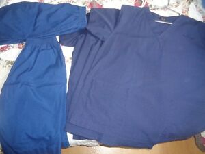 Set of 4 slightly used scrub tops&2pairs of knee length shorts