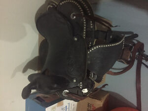 15 inch western show saddle with bridle and harness