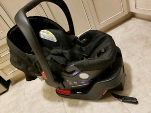 Britax b safe car seat with base