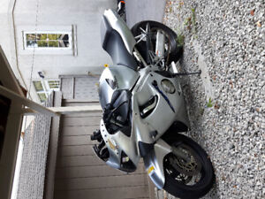 Honda CBR F4 - Strong motorcycle
