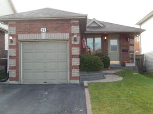 Check it Out! South Barrie Bungalow