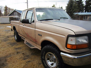 1996 Ford E-150 Pickup Truck