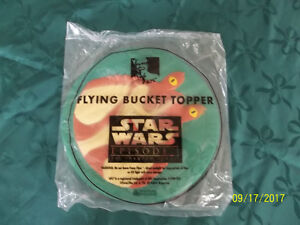 Un jeu Flying Bucket Topper de Star Wars Neuf.