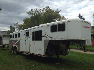 1998 Sooner 4 horse LQ trailer