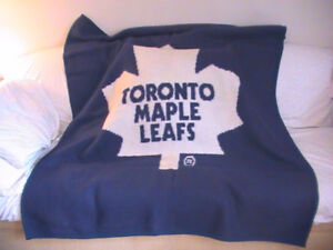 newest collection d4163 b131a Toronto Maple Leaf Blanket | Kijiji in Ontario. - Buy, Sell ...
