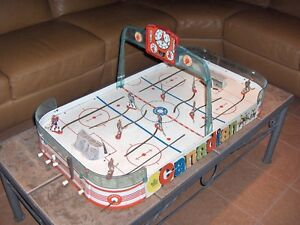 Vintage 1960's Munro NHL table top hockey game
