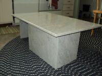 Marbre gris nervuré - Table 17po ( 43cm) de haut - Négociable
