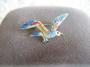 VERY COLORFUL OLD VINTAGE ENAMELLED BIRD BROOCH