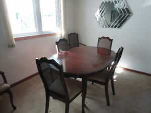 French Provincial Dining Room Table And 6 Chairs