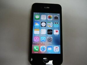 Iphone 4S Bell/Virgin mobility 16gb with otterbox case+charge
