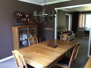 Oak dining table and 6 chairs Windsor Region Ontario image 1