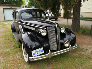 Gangster 1937 Buick Roadmaster
