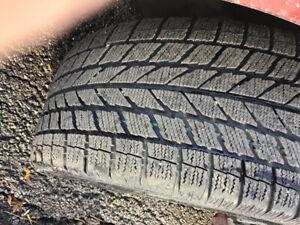 4 pneus d hivers avec mags