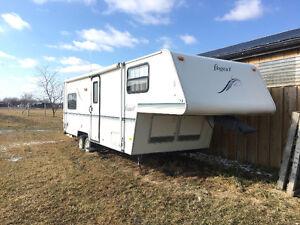 Flagstaff 5th wheel trailer