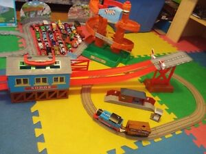 Méga collection Thomas: trains, circuits et plus